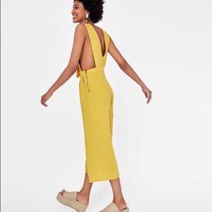 Zara Shoes - Zara Straw/raffia sandals